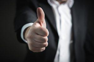 【プログラマ】友人の誘いで勤務時間が短く給料も前より増える職場に転職できた話